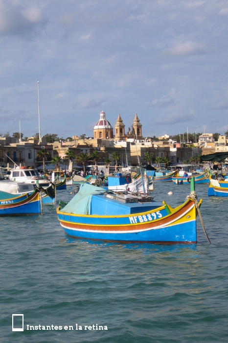 IMG_3228 barcas e iglesia Madonna ta' Pompej al fondo resize