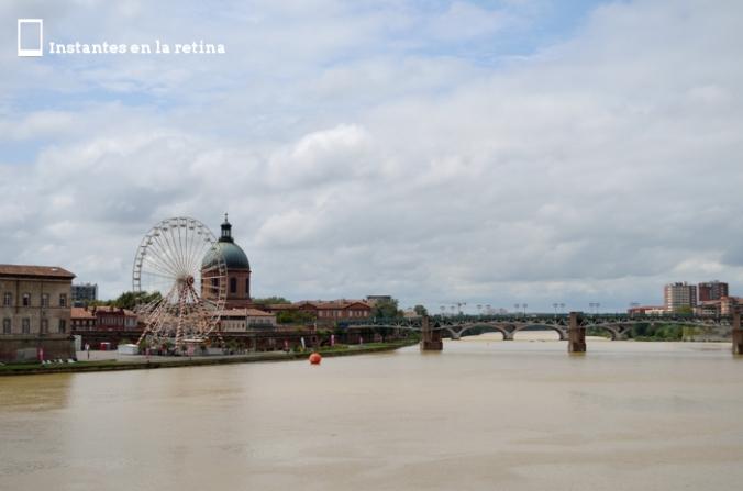 Vistas de la Dôme de la Grave y del Pont St-Pierre desde el Pont Neuf